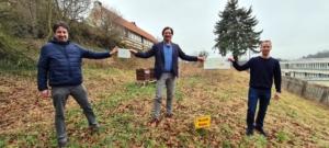 Freuen sich gemeinsam über die Rezertifizierung zur Umweltschule: Tobias Schlutz, Lars Grenzemamn und Stefan Ackerbauer. Foto: Sascha Hoffmann